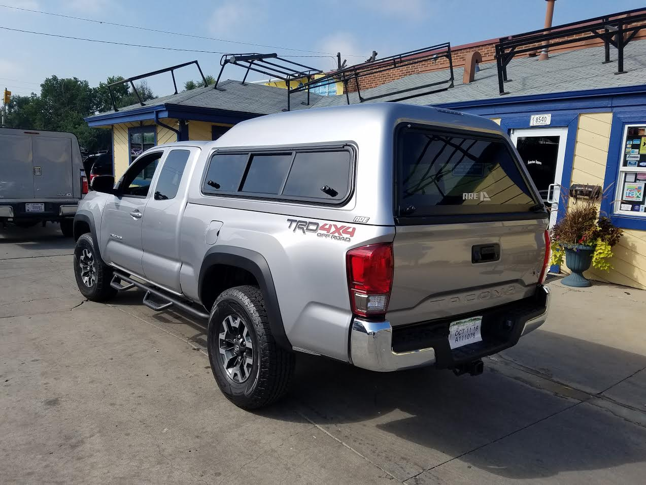 Truck Bed Caps For  Toyota Tacoma